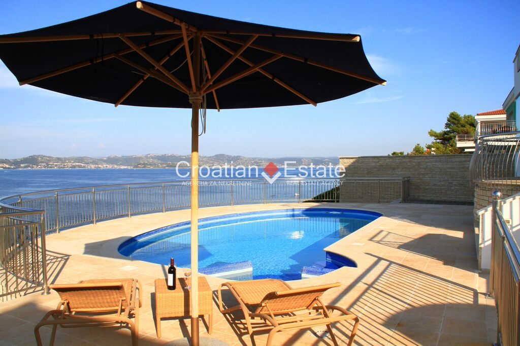 Istria, seafront luxury villa for sale