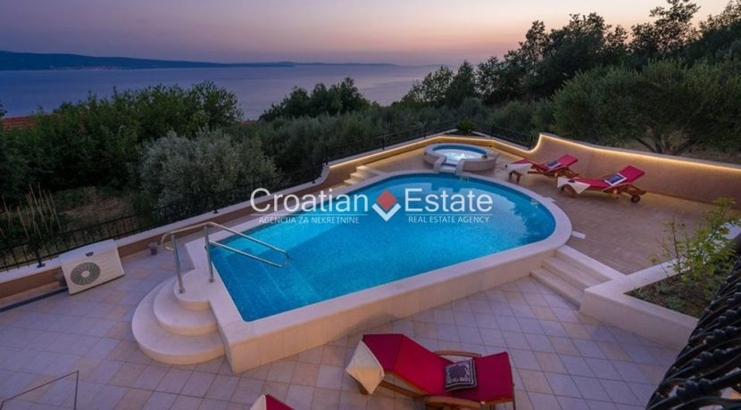 luxurious-omiš-real-estate-for-sale002
