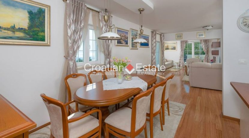 luxurious-omiš-real-estate-for-sale003