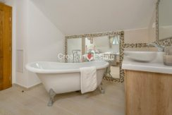 luxurious-omiš-real-estate-for-sale004