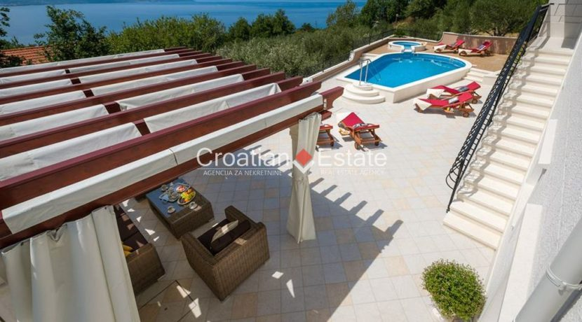 luxurious-omiš-real-estate-for-sale006