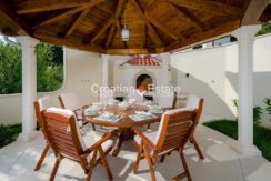 luxurious-omiš-real-estate-for-sale009