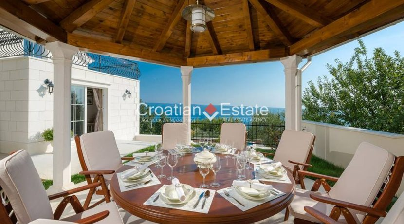 luxurious-omiš-real-estate-for-sale016