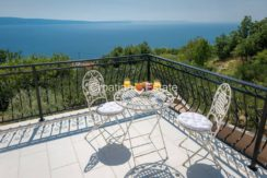 luxurious-omiš-real-estate-for-sale017