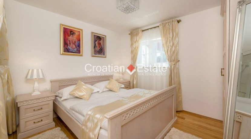 luxurious-omiš-real-estate-for-sale019