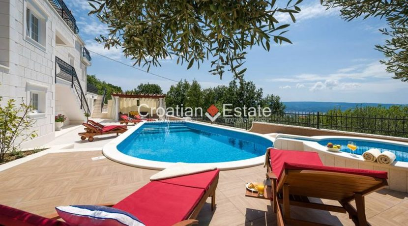 luxurious-omiš-real-estate-for-sale021