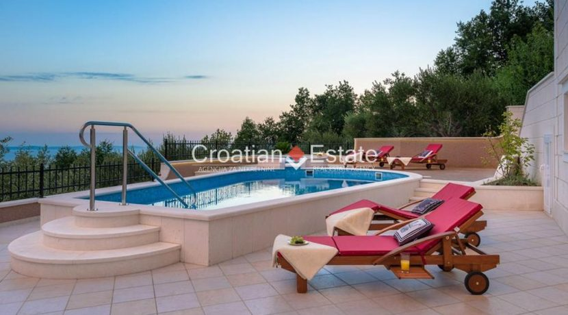 luxurious-omiš-real-estate-for-sale022