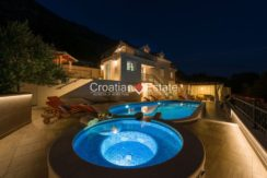 luxurious-omiš-real-estate-for-sale023