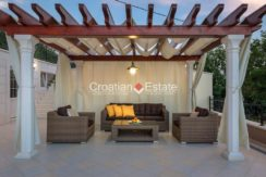 luxurious-omiš-real-estate-for-sale028