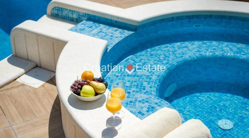 luxurious-omiš-real-estate-for-sale031