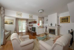 luxurious-omiš-real-estate-for-sale038