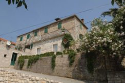 stone house for sale brac (13)