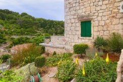stone house for sale brac (7)