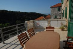 stone house for sale brac (9)