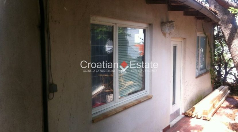 APARTMENT-for-sale-strozanac007