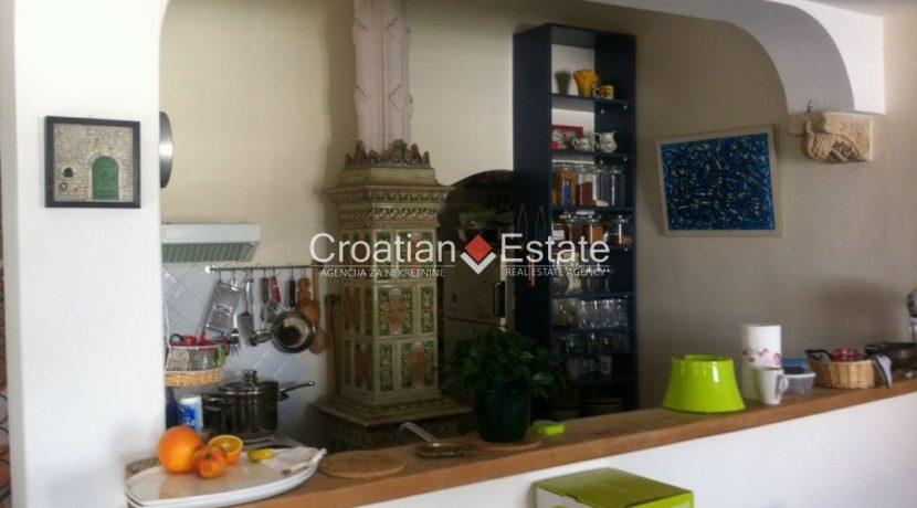 APARTMENT-for-sale-strozanac009