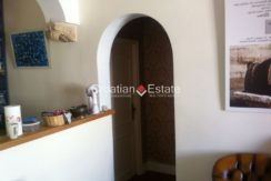 APARTMENT-for-sale-strozanac012