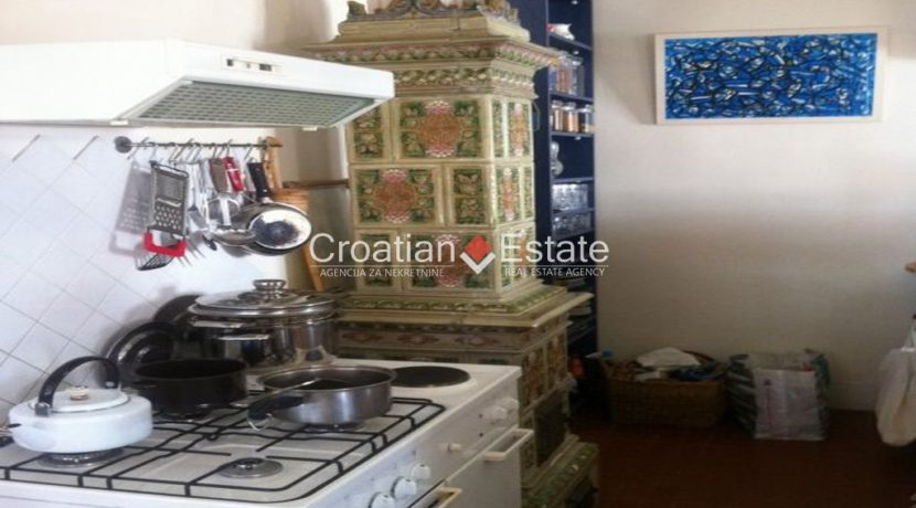 APARTMENT-for-sale-strozanac015