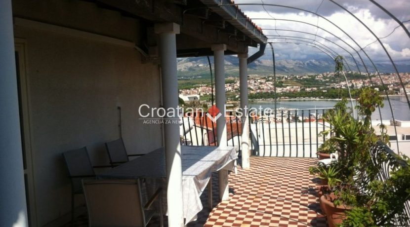 APARTMENT-for-sale-strozanac016