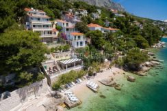 apartment villa for sale seafront beach direct for sale Omis (1)