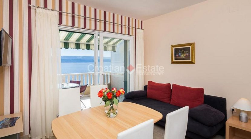 apartment villa for sale seafront beach direct for sale Omis (17)