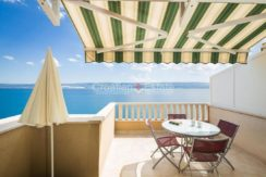 apartment villa for sale seafront beach direct for sale Omis (18)