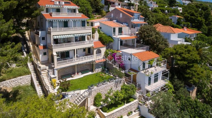 apartment villa for sale seafront beach direct for sale Omis (2)