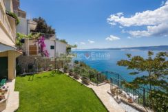 apartment villa for sale seafront beach direct for sale Omis (7)