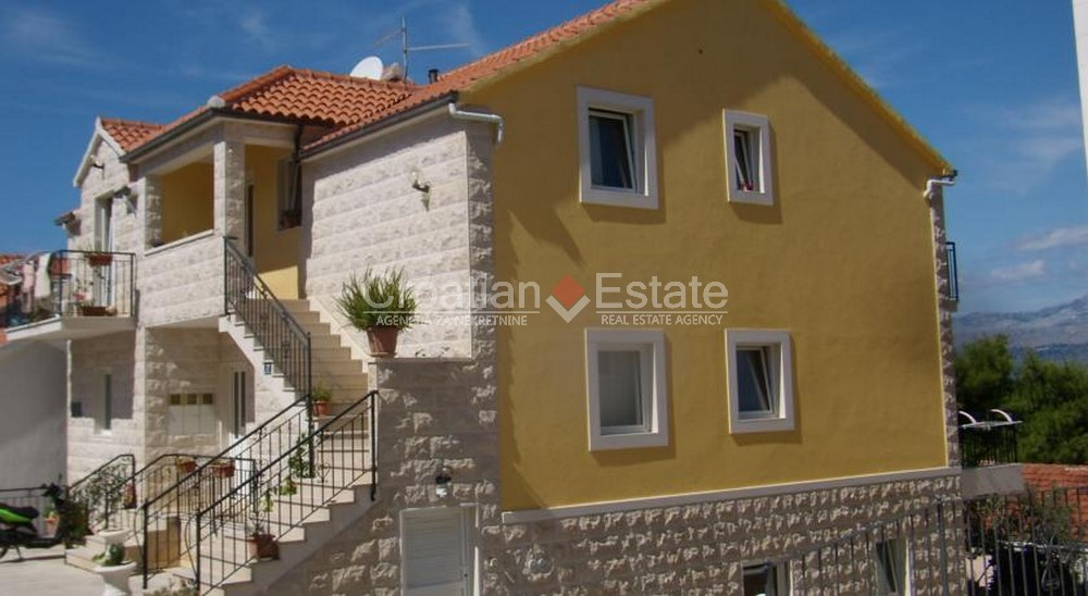 Island Brac, house with four apartments for sale