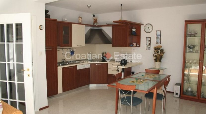 Ciovo Trogir villa for sale seafront sea direct pool (2)