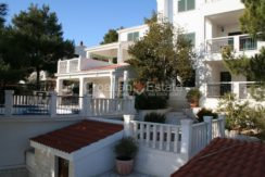 Ciovo Trogir villa for sale seafront sea direct pool (21)