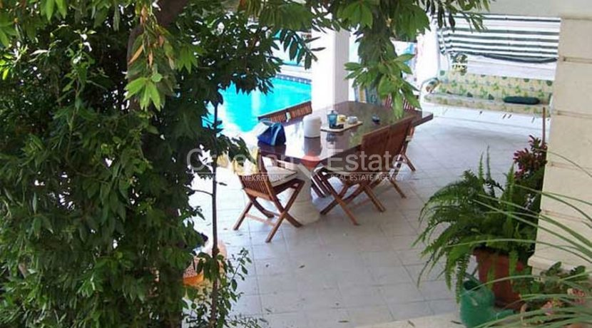 Ciovo Trogir villa for sale seafront sea direct pool (8)