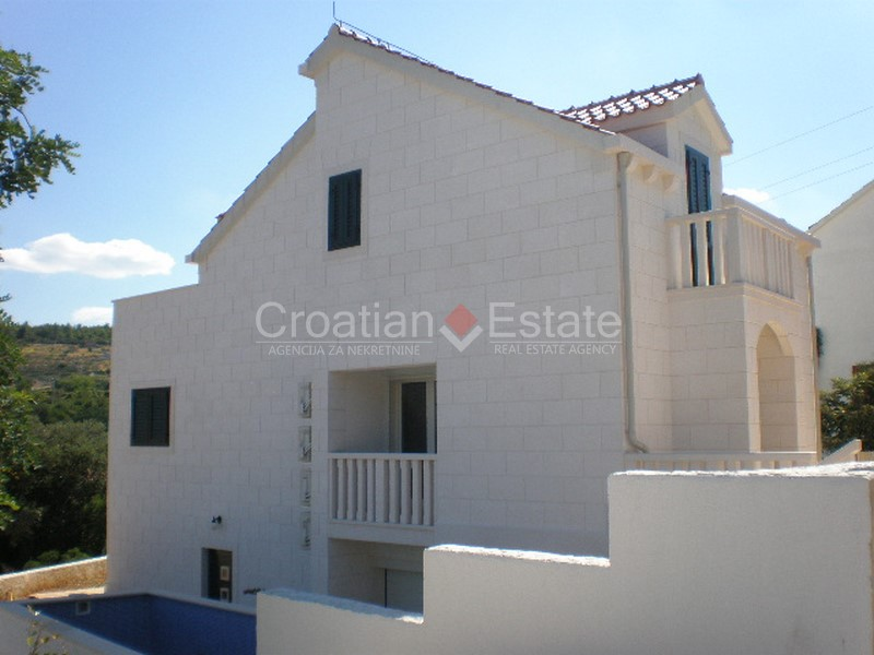 Island Brac, newly built stone house with pool for sale