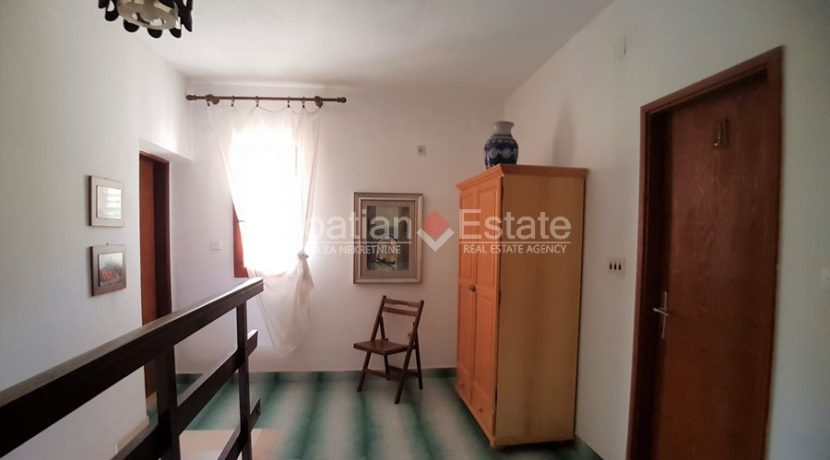 familay house brac sea view for sale (10)