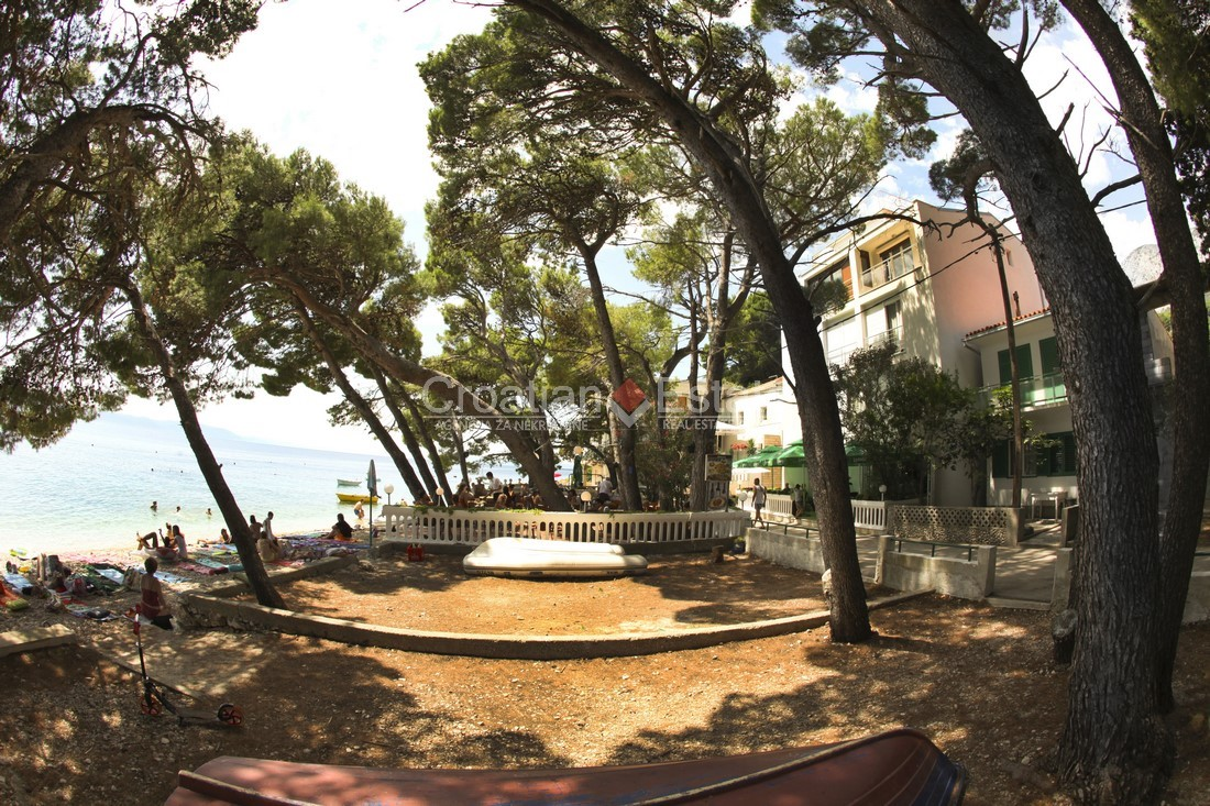 Makarska, seafront hotel on Makarska Riviera for sale