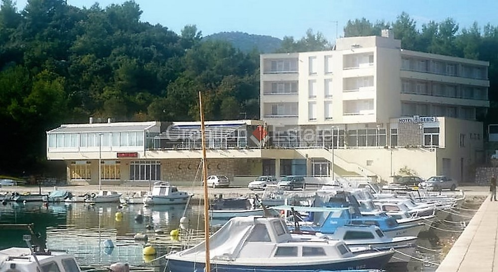 Ploce, seafront hotel in center for sale