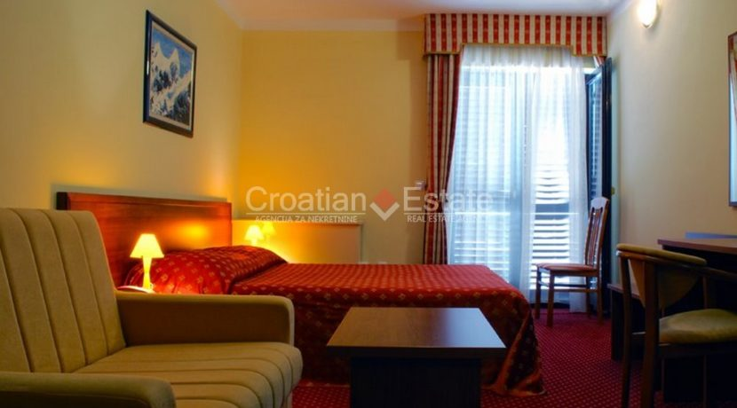 hotel for sale croatia omis croatian (3)