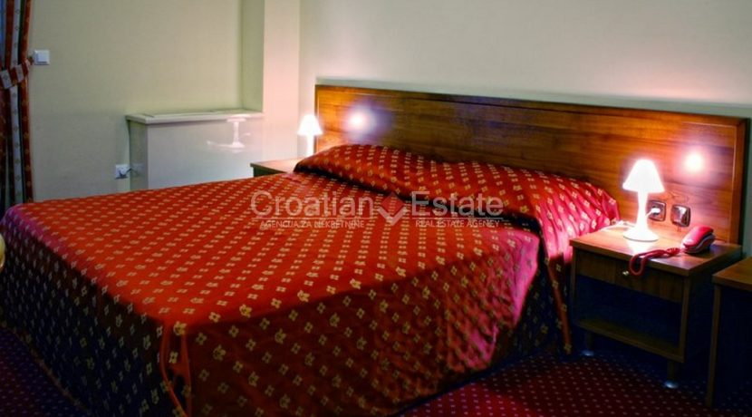 hotel for sale croatia omis croatian (6)