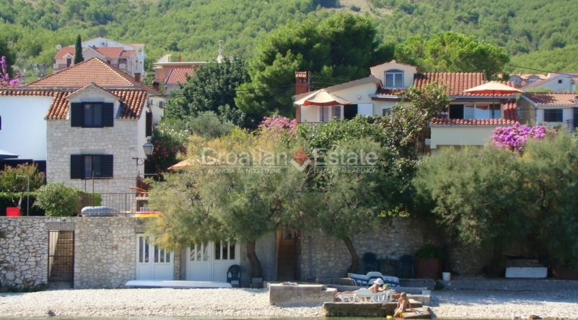 Island Ciovo house for sale