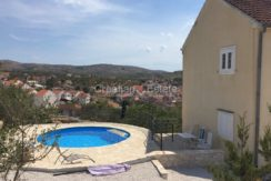 Island Brac house with pool for sale