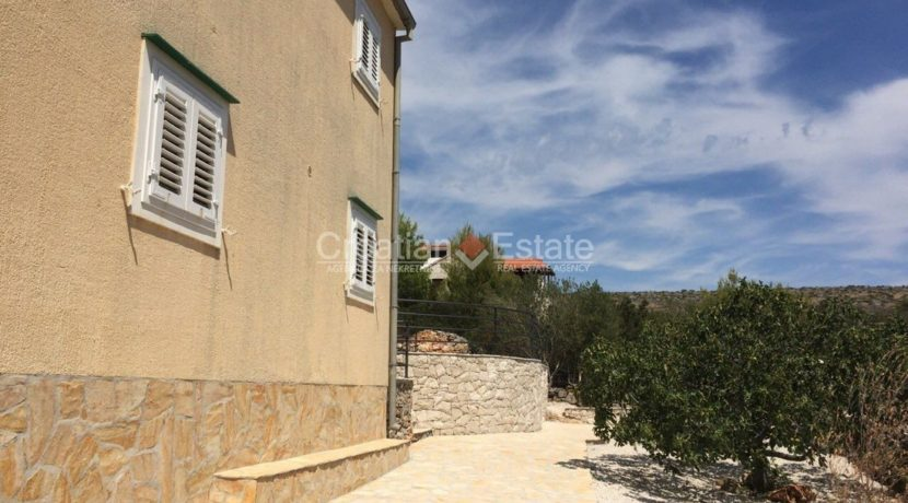 island brac croatian.estate house pool sale buy (19)