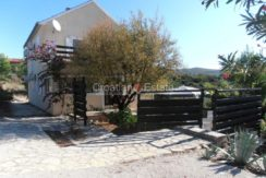 island brac croatian.estate house pool sale buy (7)