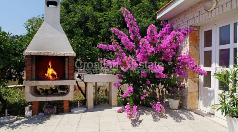 korcula vela luka house pool for sale croatian (2)