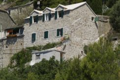Bol, stone house for sale