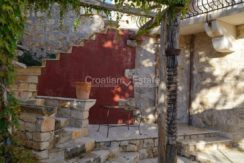 stone house villa brac sland sea view for sale (10)