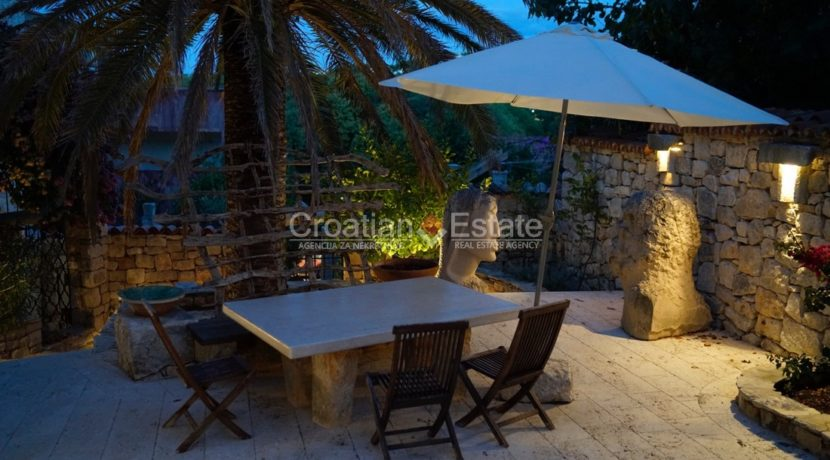 stone house villa brac sland sea view for sale (2)