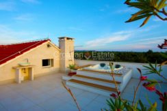 villa brac pool new big plot for sale (8)