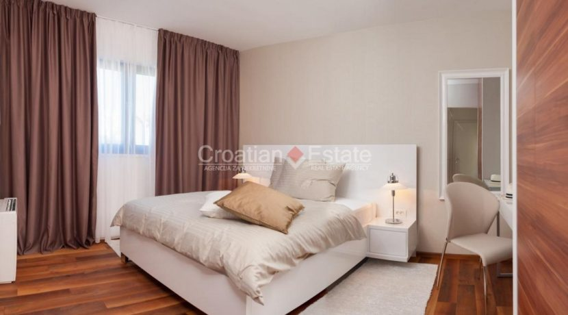 villa house pool trogir realestate property (12)