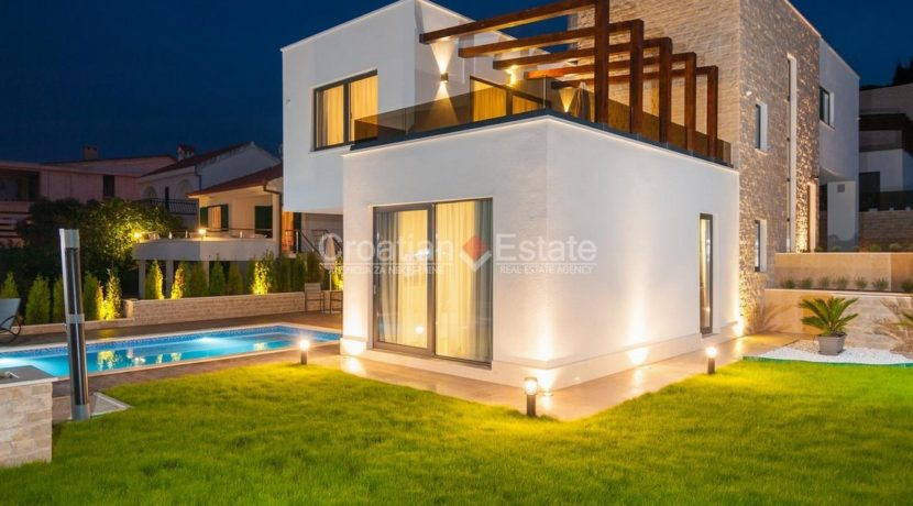 villa house pool trogir realestate property (2)