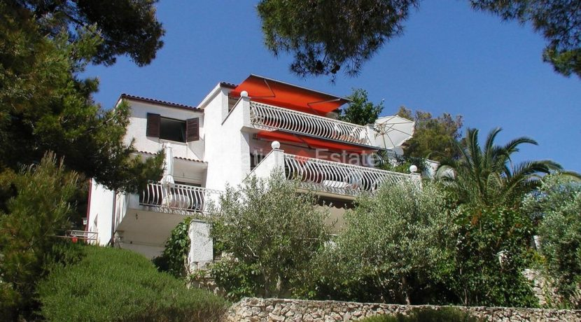 villa seafront ciovo trogir pool direct sea croatian (10)